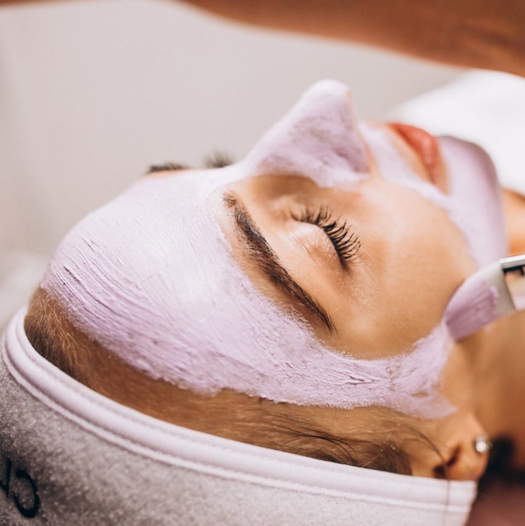 LEARN TO DO RELAXING FACIALS AT HOME