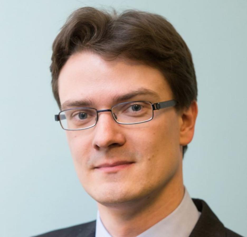Prof. Joris Larik