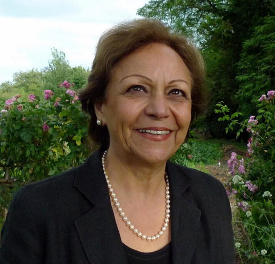 Dr. Soraya Tremayne